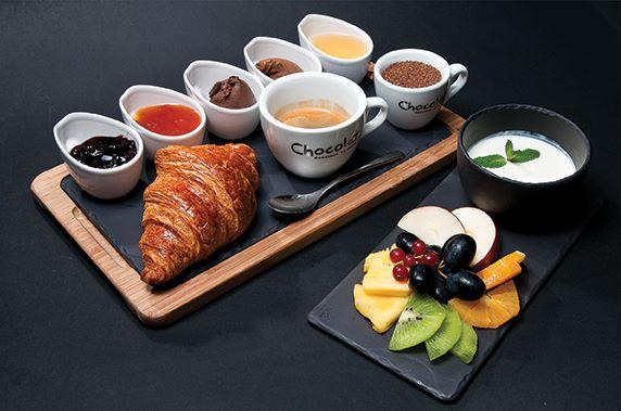 mic dejun in bucuresti la chocolat
